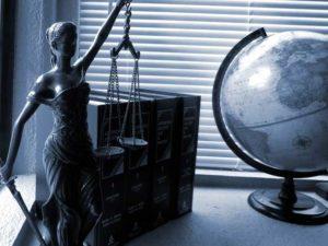 Gesetzlicher Urlaubsanspruch nach alter, Krankheit, Probezeit und bei Kündigung.