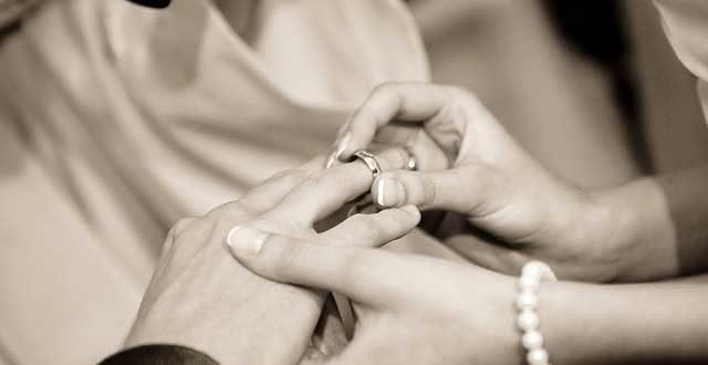 Sonderurlaub Hochzeit – Wie viel Urlaub steht Ihnen zu?